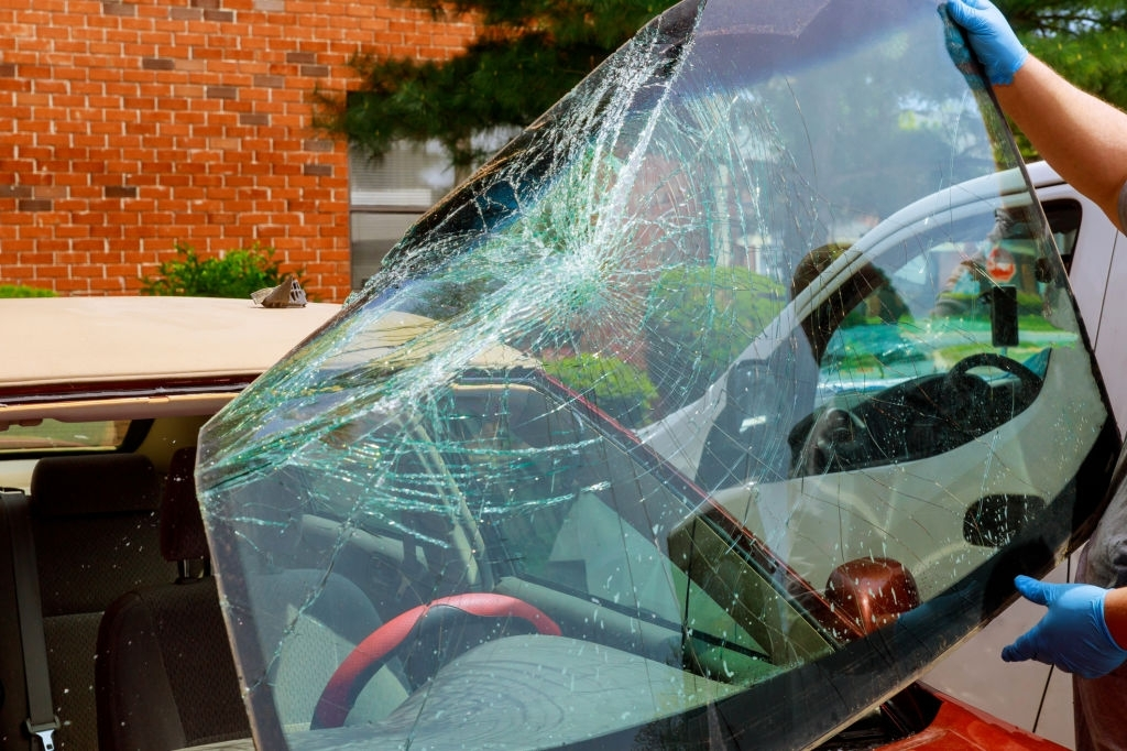 How to Replace Your Car's Cracked Windshield