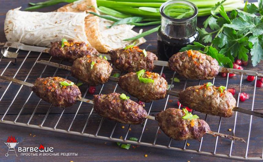 Биточки-барбекю из баранины со специями