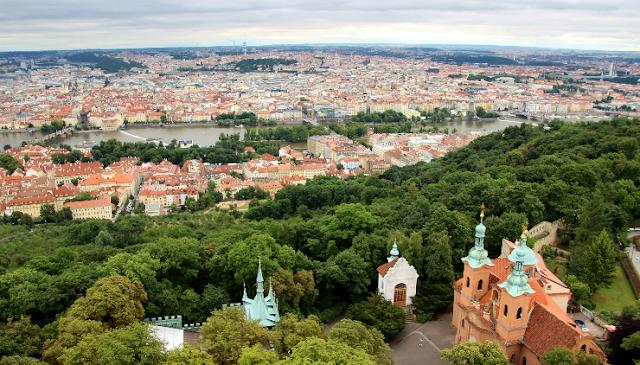 O que fazer na Colina Petrín em Praga