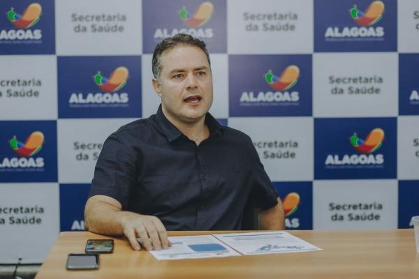 Em Alagoas, adesão da população ao isolamento social pode evitar lockdown, diz Renan Filho