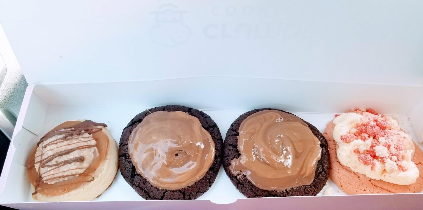 Last week's Crumbl: Samoa, PB Brownie, & Strawberry Shortcake