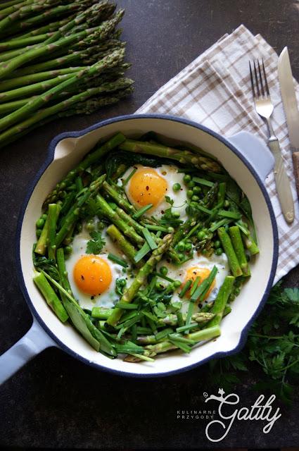 https://www.kulinarneprzygodygatity.pl/2019/05/zielona-szakszuka-ze-szparagami-i.html