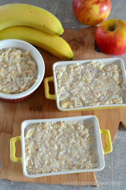 Pieczona owsianka z bananem i jabłkiem