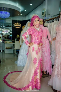 Kebaya Pengantin Warna Pink Fanta Dan Warna Pink Soft