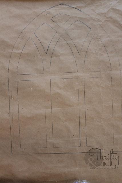 DIY Cathedral Window Frame. DIY farmhouse window frame. DIY farmhouse decor. DIY wall decor. Decorating with window frames. Farmhouse decor and decorating ideas.