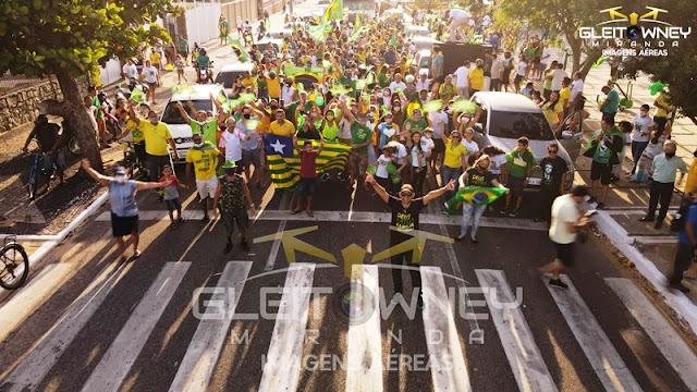 IMAGENS AÉREAS: Manifestação em Parnaíba marca feriado de 7 de Setembro
