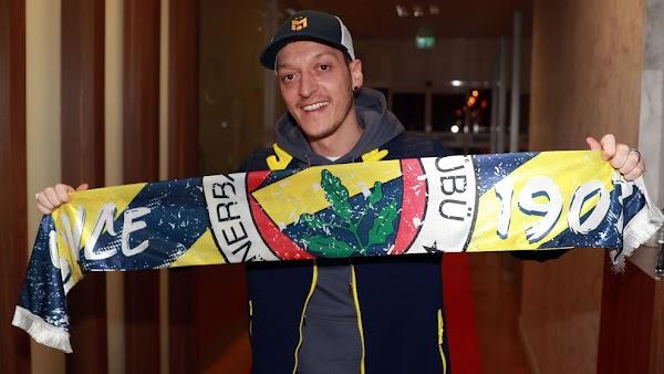 Oficial: El Fenerbahçe ficha a Özil