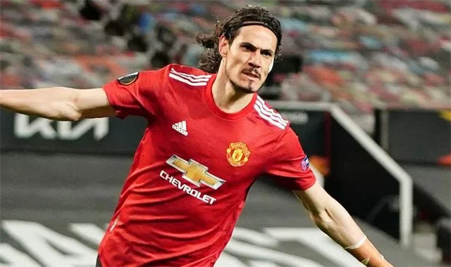 Cavani extends his contract with Manchester United until 2022