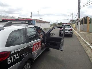 Policiais do 4º BPM prendem em Alagoinha homem suspeito de agredir e ameaçar pai e irmã