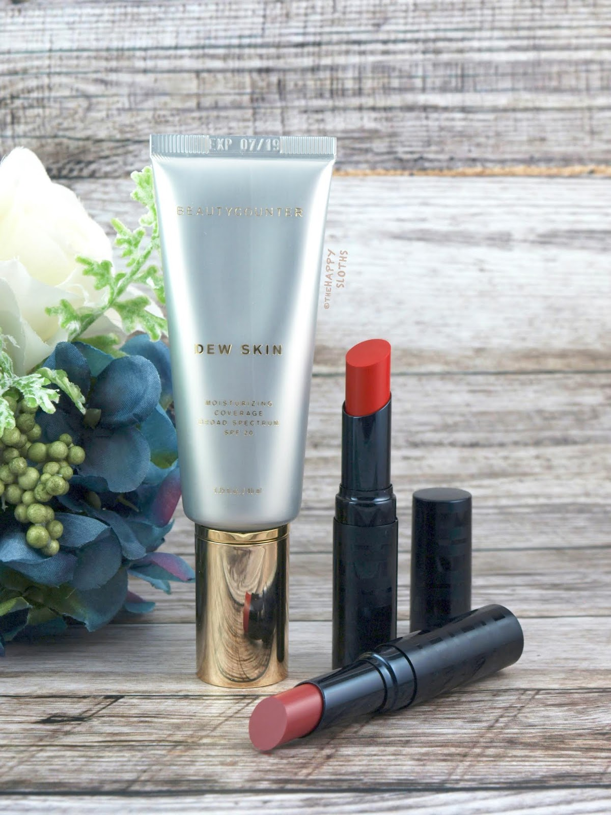Beautycounter | Dew Skin Moisturizing Coverage SPF 20 & Color Intense Lipstick: Review and Swatches