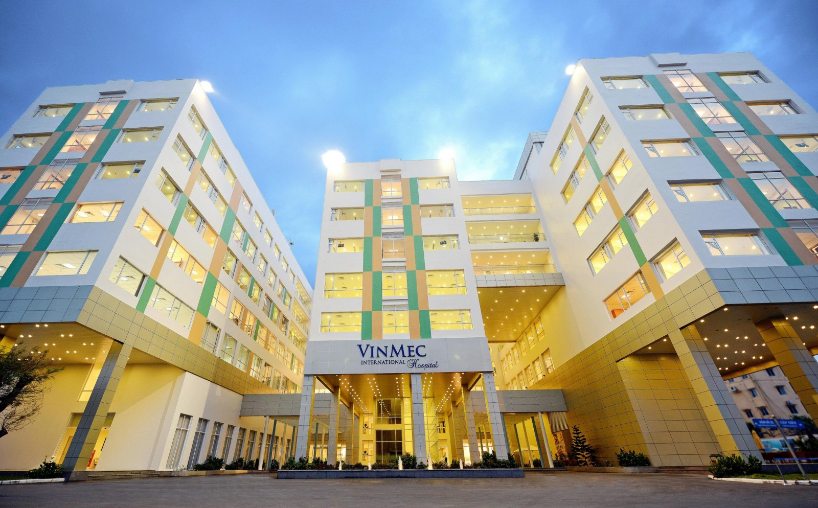 Bệnh viện Vinmec gần Sky View Plaza