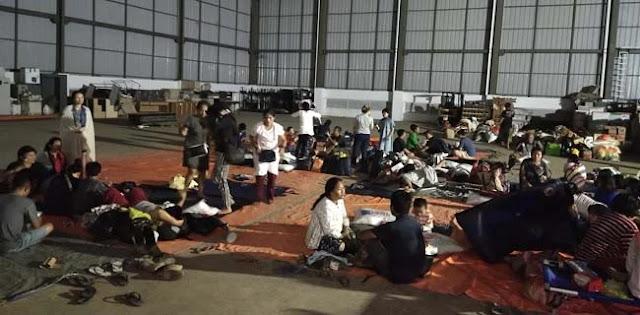 200 Warga Pondok Gede Permai Masih Bertahan Di Gudang BNPB