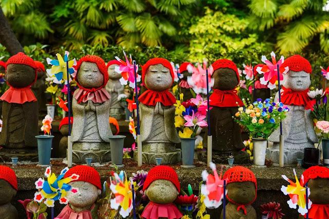 Patung Jizo di Kuil Zojoji