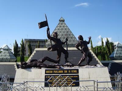 Museum ini berada di daerah surabaya