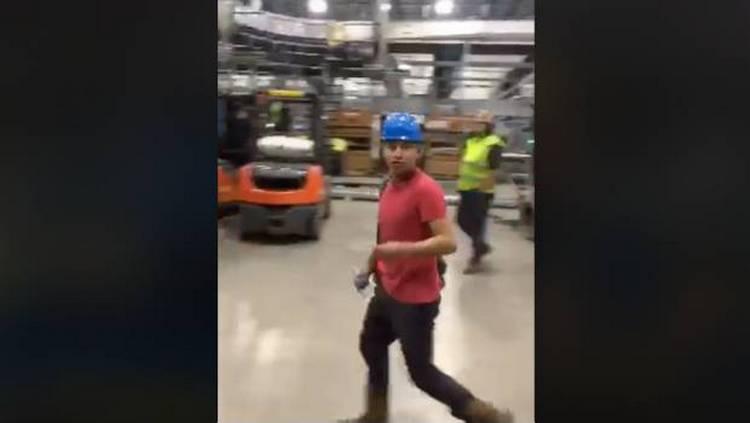 Video: Más de 100 trabajadores en EU renuncian tras despido de mexicanos.