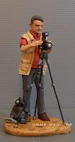 statuina presepe fotografo statuetta personalizzata ritratto uomo con macchina fotografica orme magiche