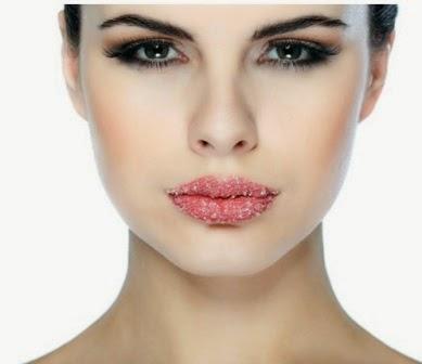 Cara Mengatasi Bibir Kering dan Pecah Dengan Mudah