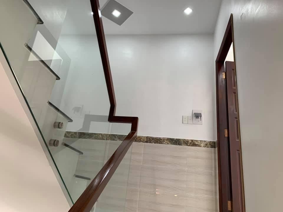 Bán nhà mới xây hẻm 489 Mã Lò quận Bình Tân. DT 4x12m đúc 2 lầu