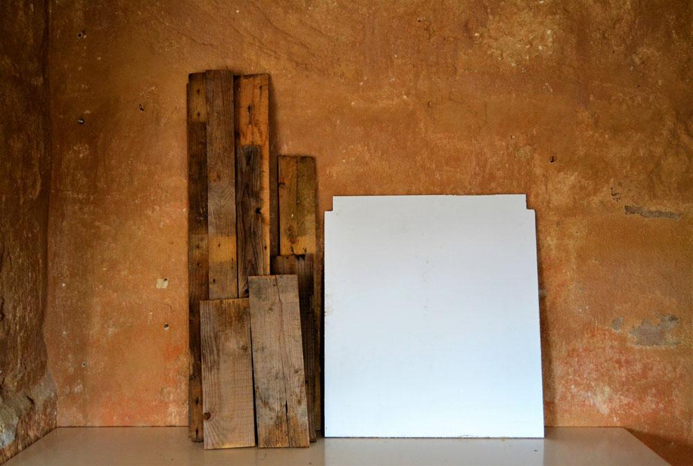 Nos atrevemos con el arte, Oscar realiza un precioso cuadro geométrico utilizando maderas de derribo