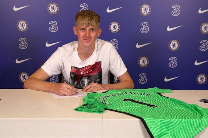 England U17 keeper Teddy Sharman-Lowe complete Chelsea Move but loaned to Burton Albion