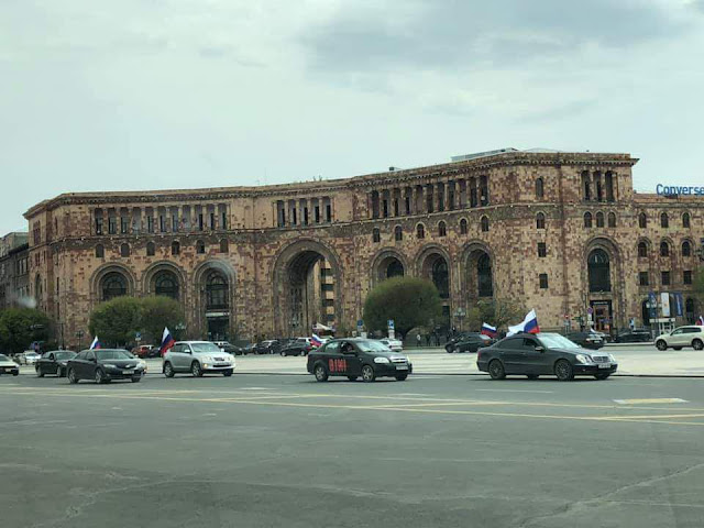 Обыкновенный фашизм: В армянских соцсетях затравили россиян, не сумевших вернуться на Родину из-за коронавируса