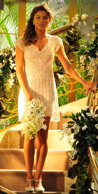 Ester (Grazi Massafera) noiva