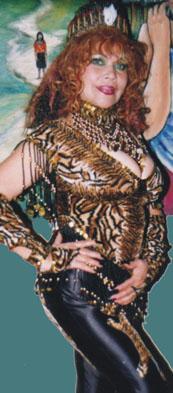 Foto de La Tigresa del Oriente con traje de tigresa