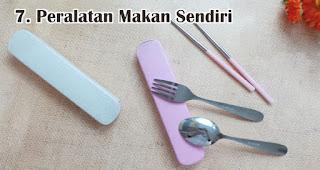 Peralatan Makan Sendiri adalah benda yang wajib kamu bawa selama new normal