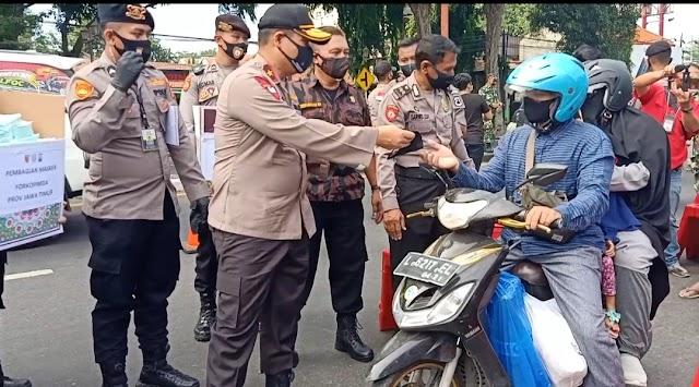 Wakapolda Jatim Sebar 75.000 Masker untuk Masyarakat Sidoarjo