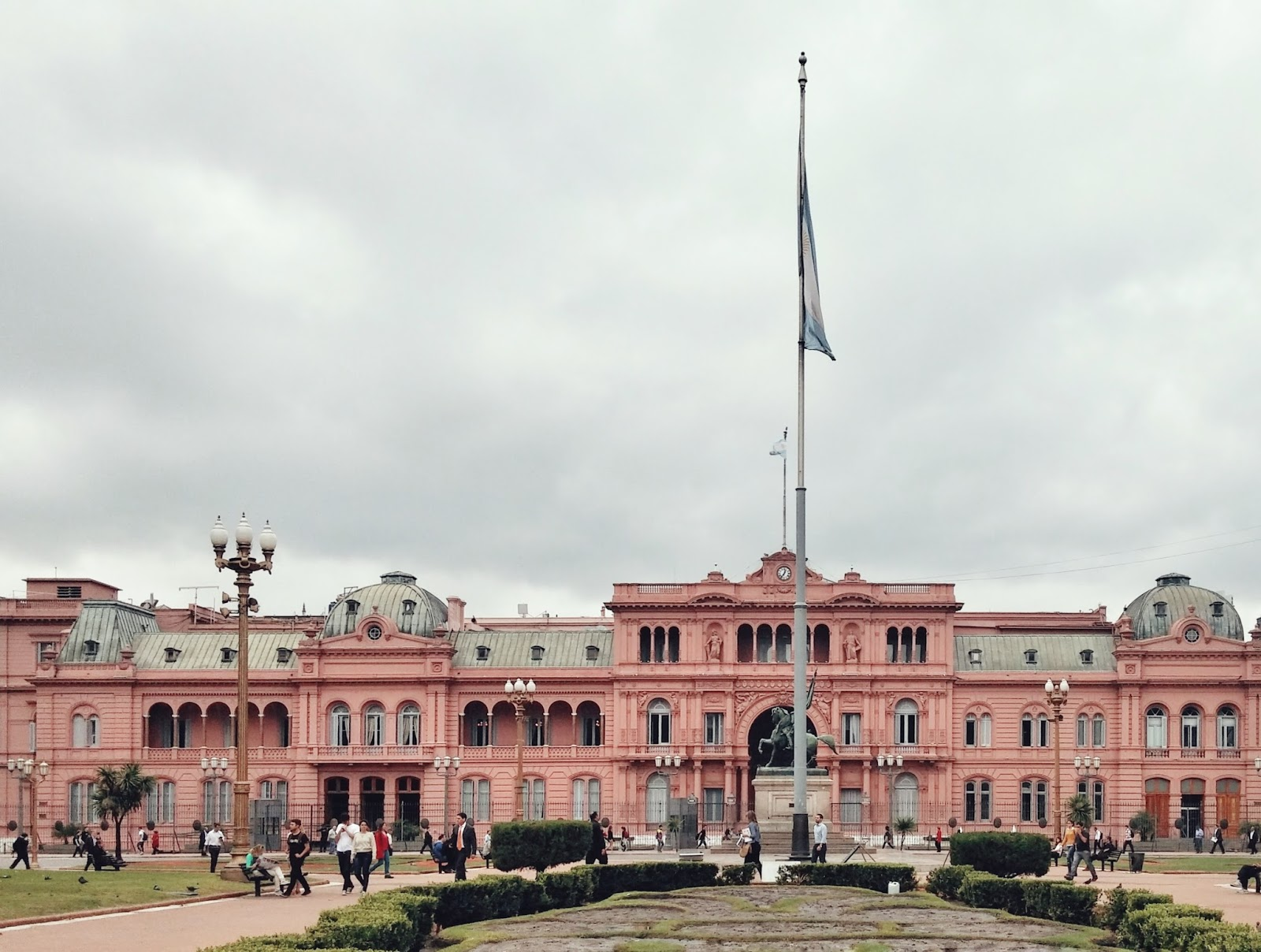 ¿Por qué la Casa Rosada es rosa? y juega a #colorsoloparami