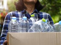 Cara Praktis Memanfaatkan Kembali Botol Air Mineral