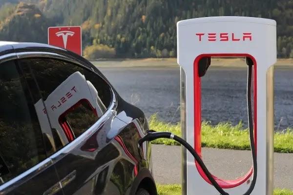 Spesifikasi Mobil Listrik Tesla