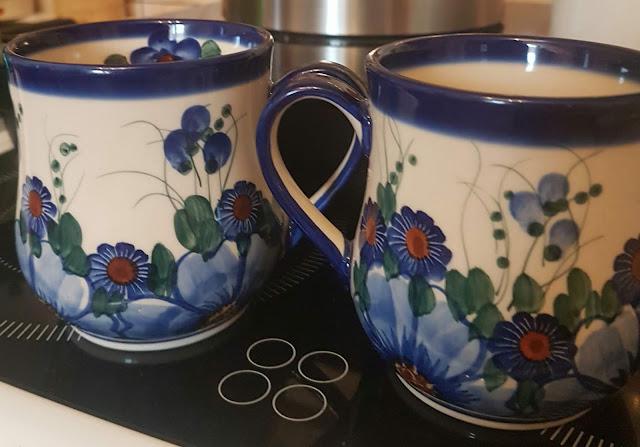Piękne, ceramiczne kubki. Malowane sercem...