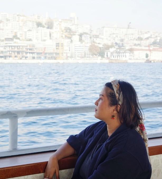 traveling menyusuri selat bosporus