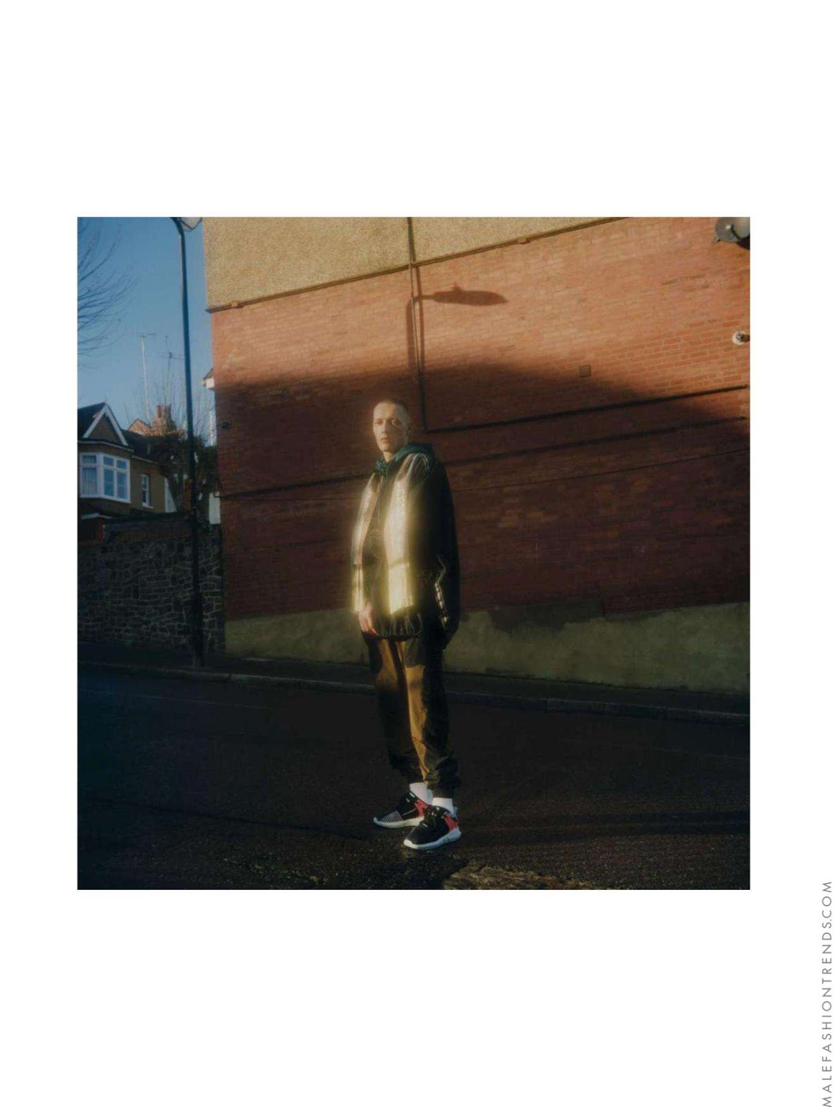 Joe Kinsella para L'Officiel Hommes Italia por Markus Rico