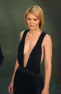 Cleavage Erotica Linda Rybova  nude (42 photo), Twitter, lingerie