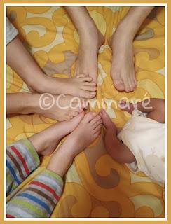pies niños circulo caminaré