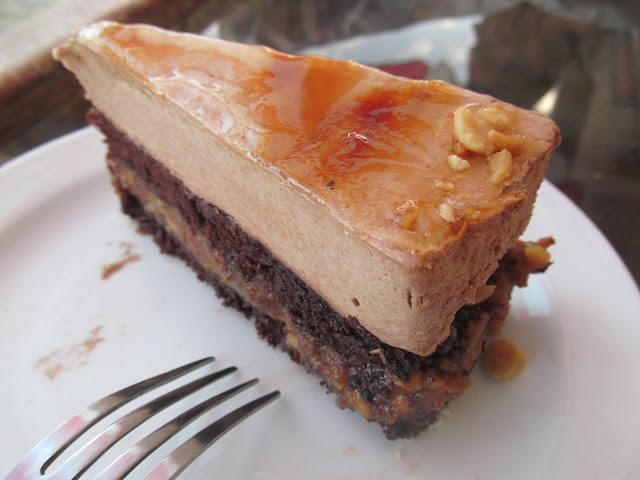 Sós-karamellás mogyorótorta: ex tordasi sütemény