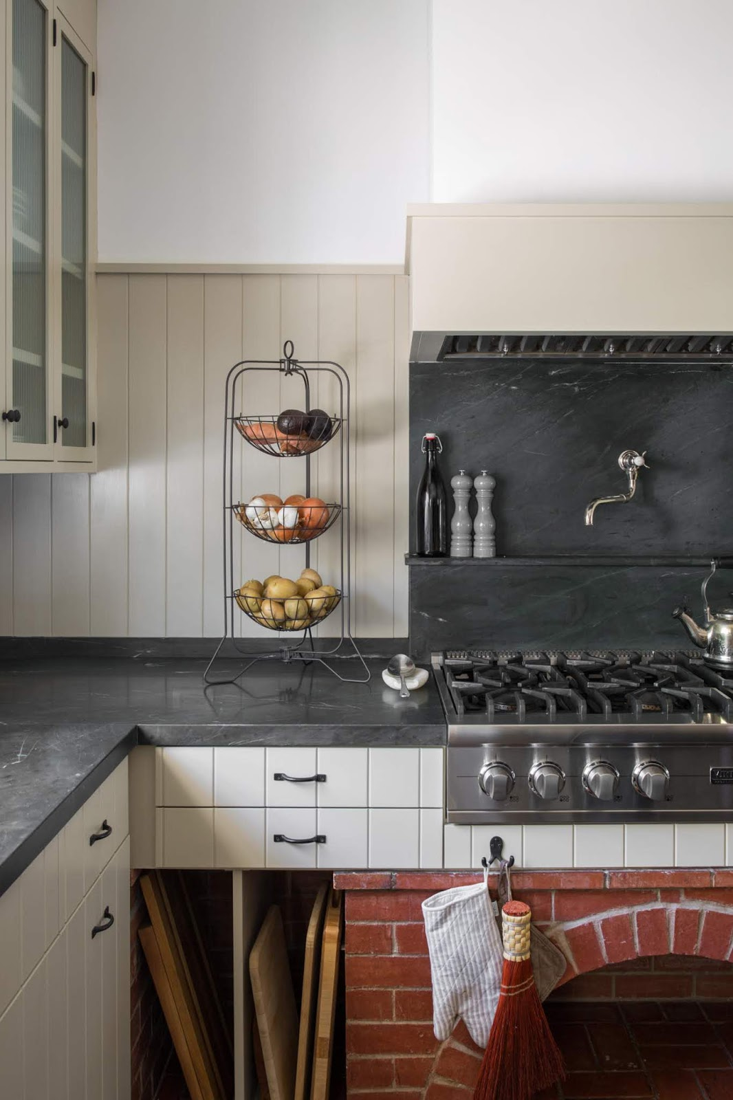 ORC inspiration: marble counters and backplace, vintage cottage feel