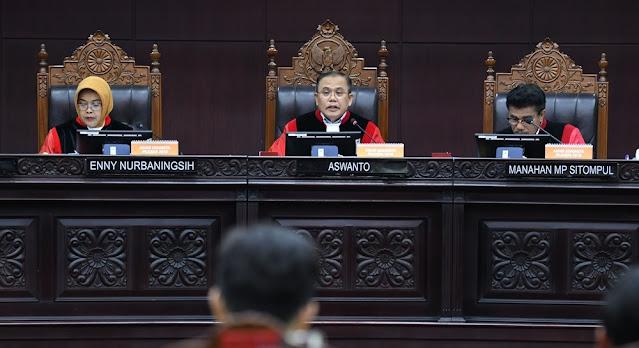 Hakim Sidang