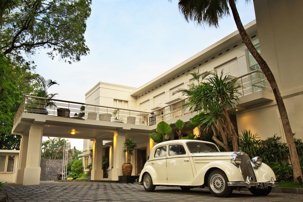 Get The Celebrity Treatment With World Class Service At Shalimar Boutique Hotel