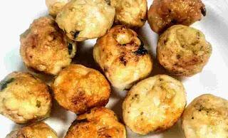 Crisp golden chicken balls for chicken manchurian