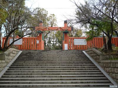 生國魂神社冠木門