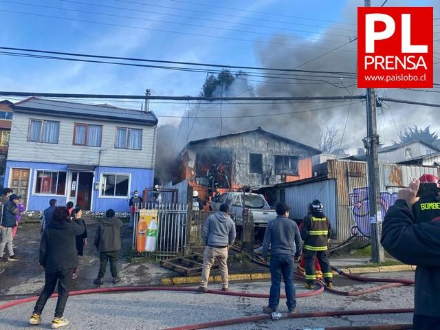 Incendio en Puerto Montt deja una vivienda destruida
