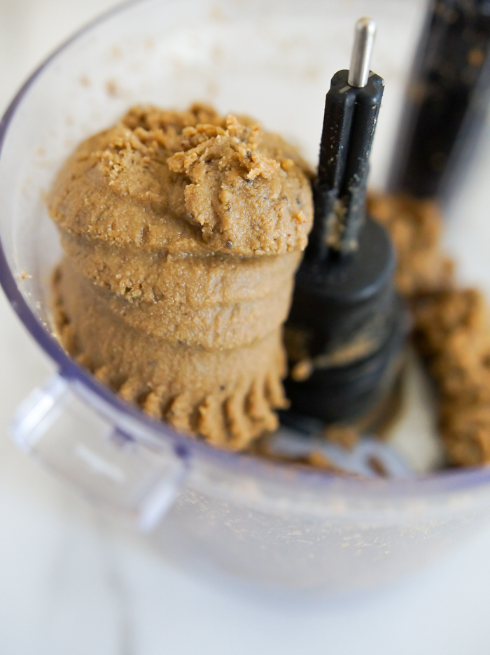 vanilla sunflower-chia butter