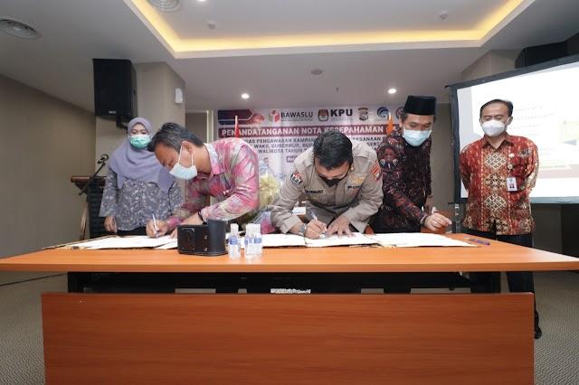Penandatanganan Nota Kesepahaman MOU Gugus Tugas Pengawasan Kampanye Dalam Pelaksanaan Pemilihan Kepala Daerah