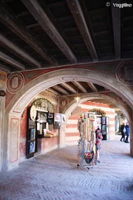 Portici del Palazzo dell'Istituzione