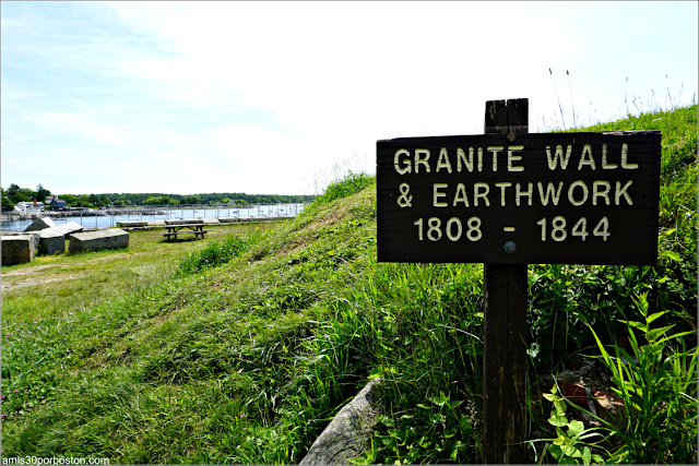Cartel del Granite Outer Wall en el Fuerte McClary, Maine