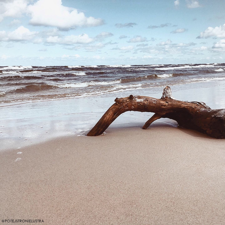 plaża w dębkach poza sezonem