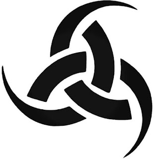 triple-cuerno-de-odin-simbolo-vikingo-hidromiel-Skaldenmet-sangre-de-Kvasir.jpg